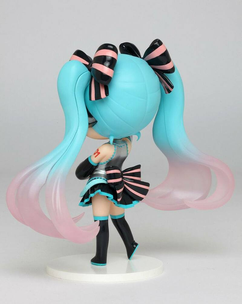 Hatsune Miku Doll Crystal Taito English Figure Spring Clothes